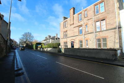 Hire Property management Edinburgh services to save money