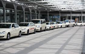 Heathrow Taxi London provide luxurious minicab to Heathrow terminal 3