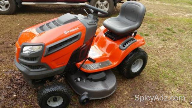 Husqvarna lawn tractor - $1375 (Auburn)