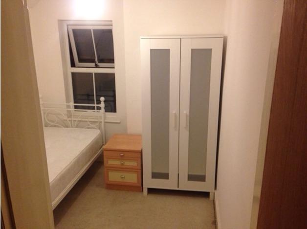 Single room in Aylesbury