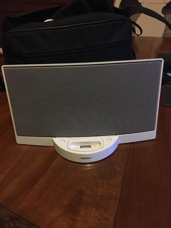 Bose iPod speaker in  Bath