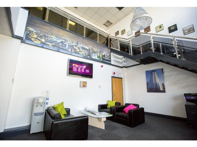 Ezy Offices offer vibrant spacious offices to rent located close to Birmingham City Centre! in Bi