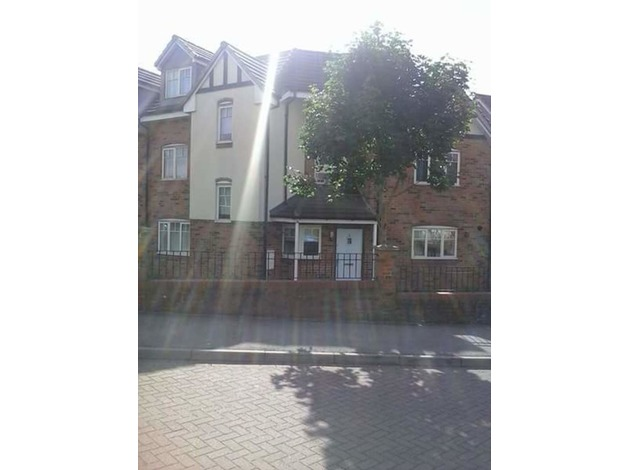 Large 4 bed Birmingham wanting 3 bed Burnham Weston surroundings in Birmingham