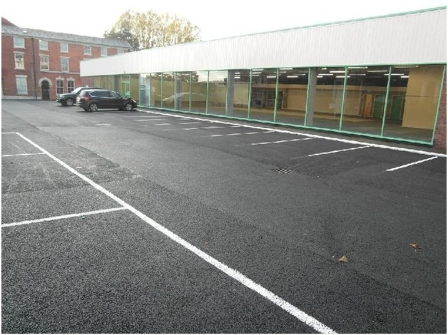 TO LET (MAY SELL) TOWN CENTRE RETAIL SHOWROOM IN POPULAR LOCATION WITH GOOD PARKING PROVISION in