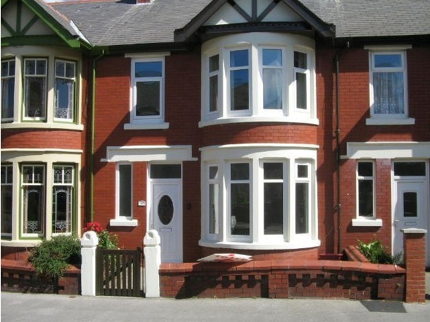 3 Bed Garden Terrace House.Garage. D/G & C/H in Blackpool in Blackpool
