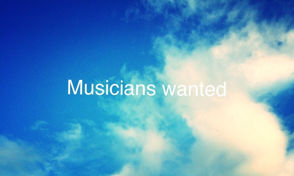 Experienced Singer looking for keyboard player/pianist in 