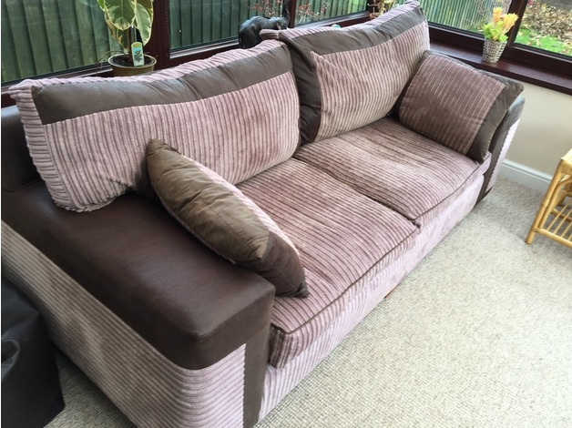 3 seater sofa in Caerphilly - 1