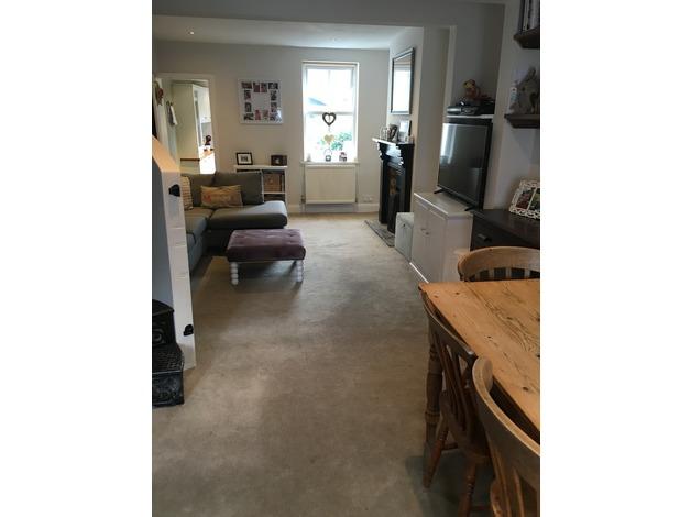 2/3 bed house off Bath Road Cheltenham in Cheltenham