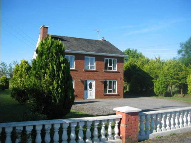 4 Bedroom detached house in IRELAND in Crawley