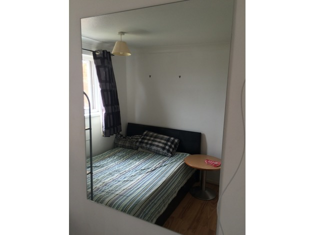 SMALL ROOM SOUTHGATE, CRAWLEY, WEST SUSSEX in Crawley