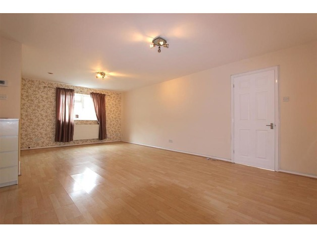 Bright and spacious 1 bed house with garden in Croydon