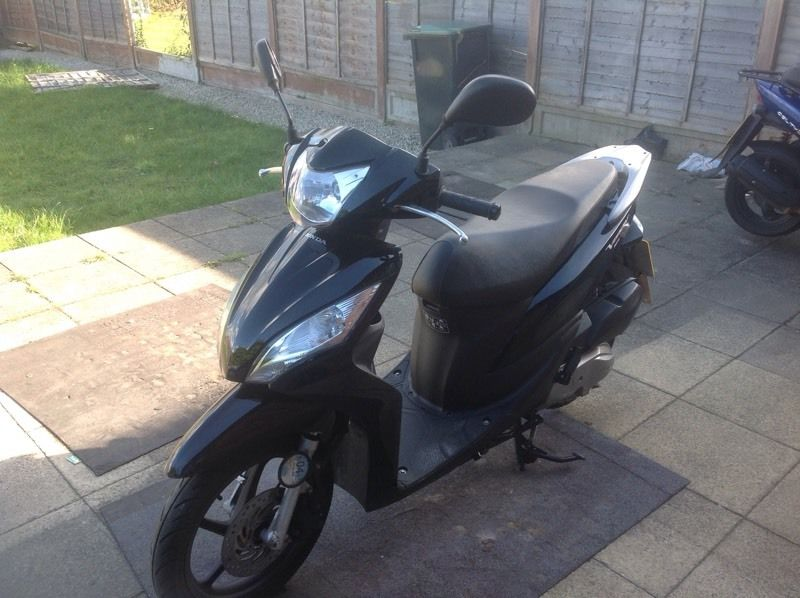 Honda Vision 110. 2013 Very Low Miles in 