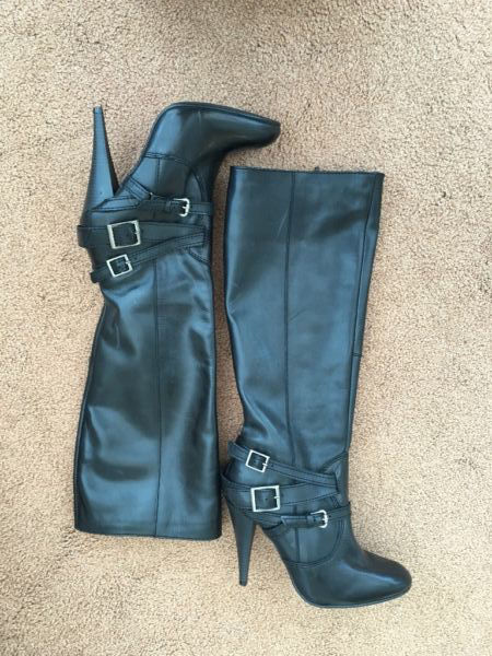 Ladies Black Leather Knee High Heeled Boots Size 6 in 