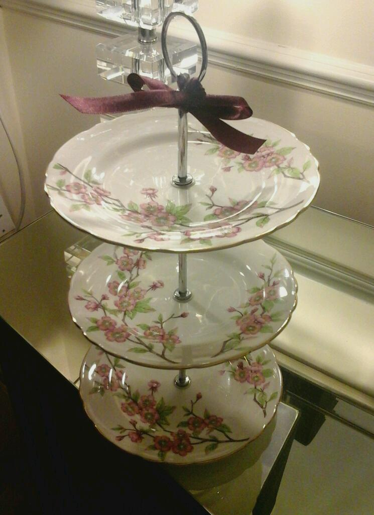 Cake stand bone china in 