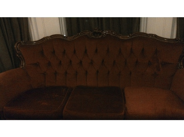 Vintage Style Sofa in Hammersmith and Fulham
