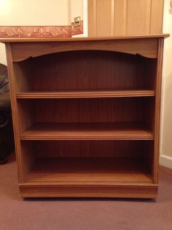 Oak effect book case in 