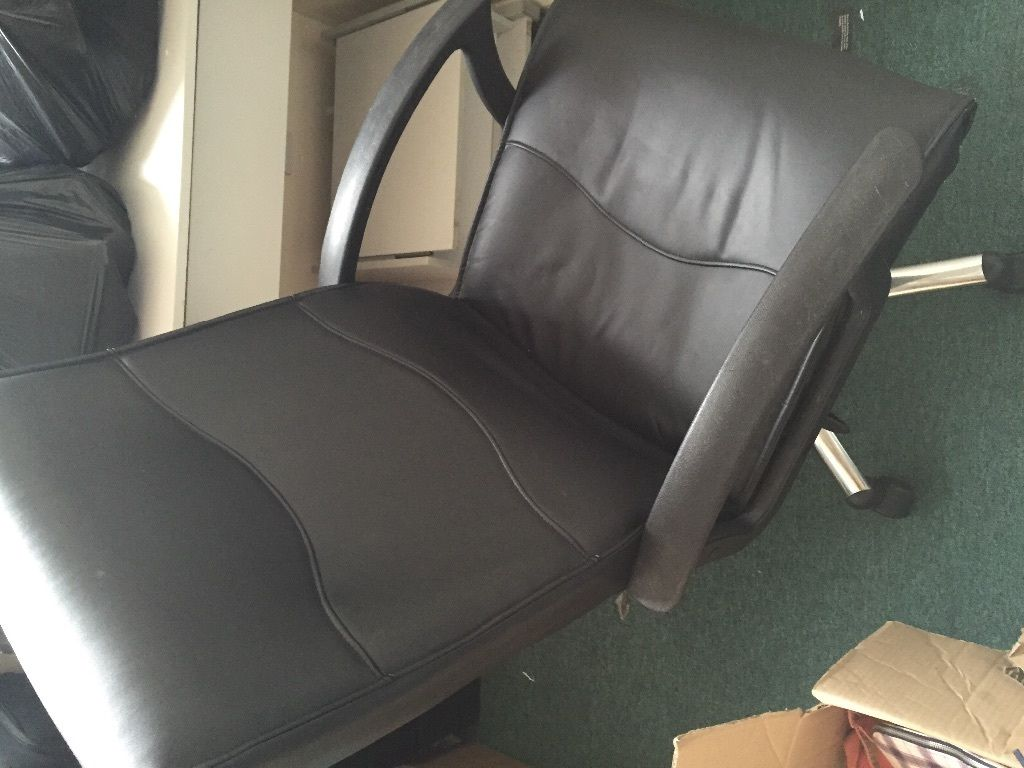 Office black computer chair in 