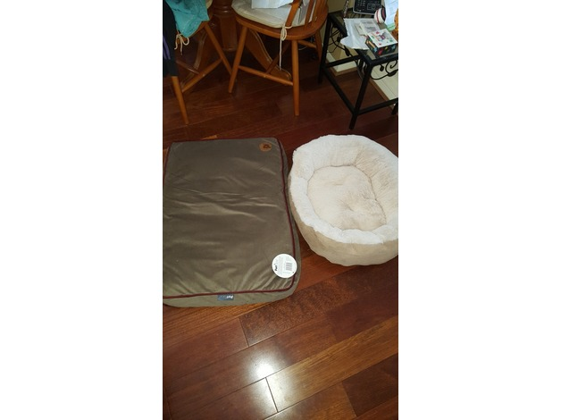 3 practically new cat/dog beds in Harrow