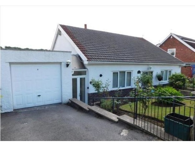 Detached 2/3 Bedroom Bungalow - Ystrad Mynach , Caerphilly in Hengoed