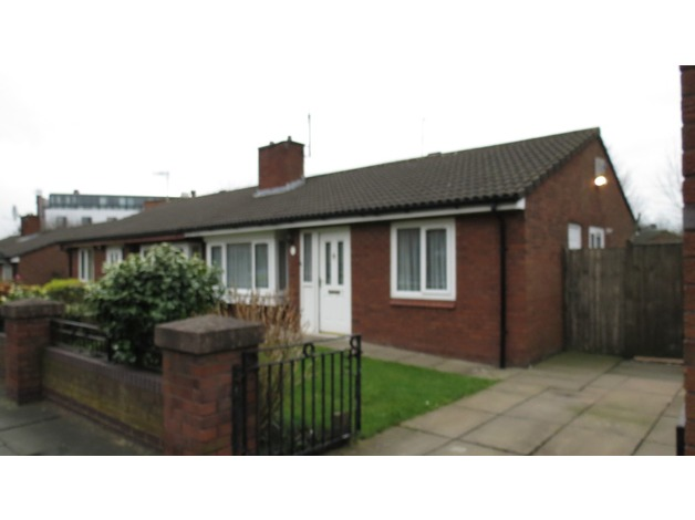 2 bedroom bungalow exchange from liverpool to ipswich or felixstowe  in Liverpool