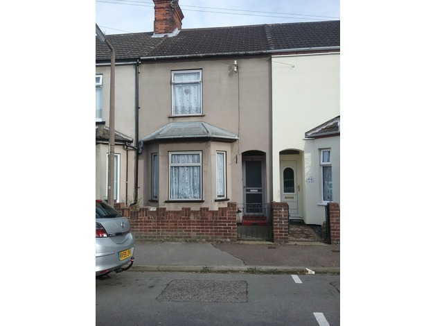 3 separate double bedroom property to let in Lowestoft
