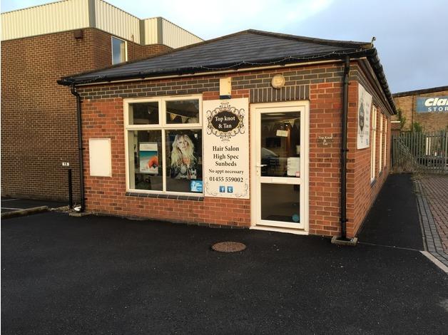 Hair beauty and sunbeds salon in Lutterworth