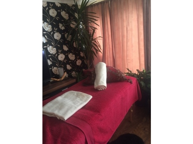 Qualified female masseuse  in Milton Keynes
