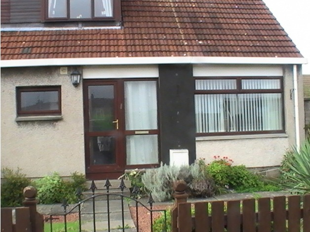 2 double bedroomed end terrace house in Stoneybank area, Musselburgh,Nr Edinburgh in Musselburgh