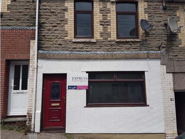 4 bedroom terraced house for sale in Newport