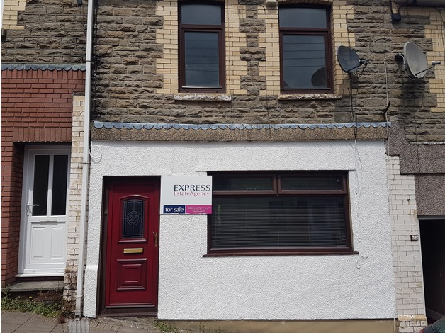 4 bedroom terraced house for sale in Newport