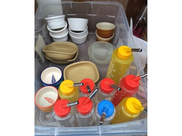 Pet bowls and water bottles joblot  in Nottingham