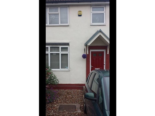 2 bed semi in b68 oldbury for exchange needing 3or 4 bed in Oldbury