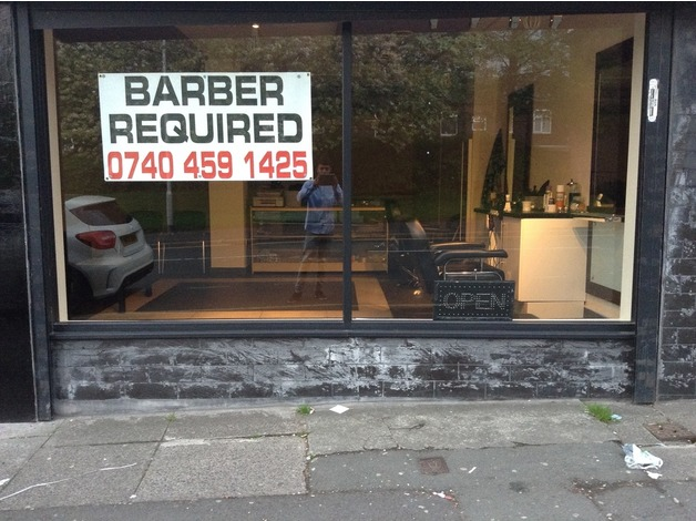Main road shop to let in Oldham
