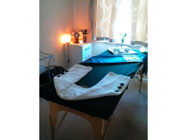 Massage from £20 -Qualified FEMALE masseuse offers LomiLomi,HotStone,Swedish,Deep T.,Head m