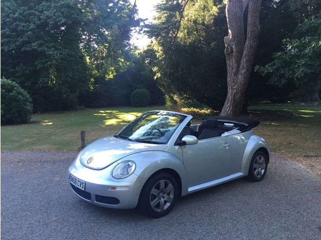2006/56 Volkswagen Beetle 1.6 Luna 2 Door Convertible Silver in Poole