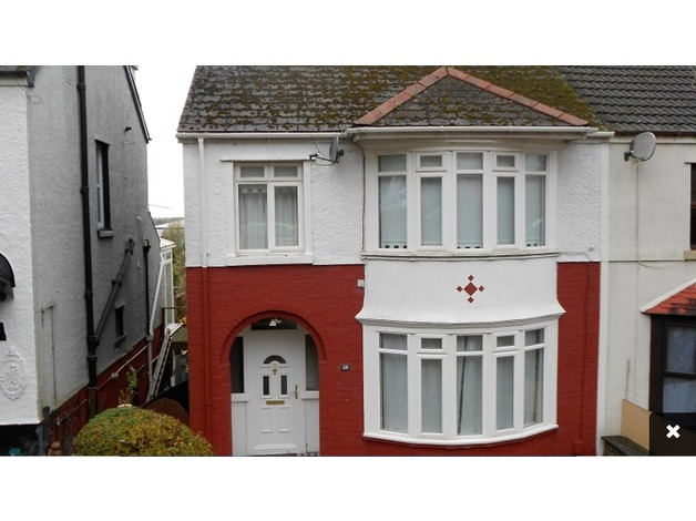 3 Bedroom Semi-detached House  in Port Talbot