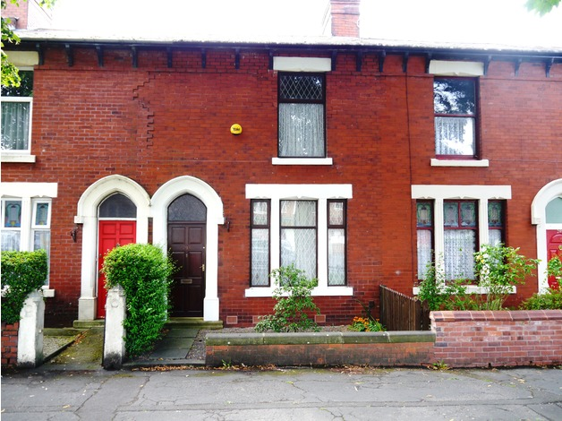 3 Bedroom mid Terrace House for Sale in Preston @ Affordable Price!! in Preston