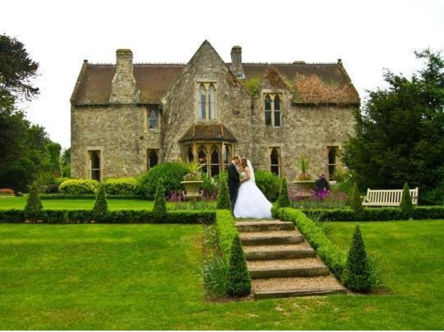 Professional Wedding Photographer covering Kent, London, Essex & Beyond in Sevenoaks
