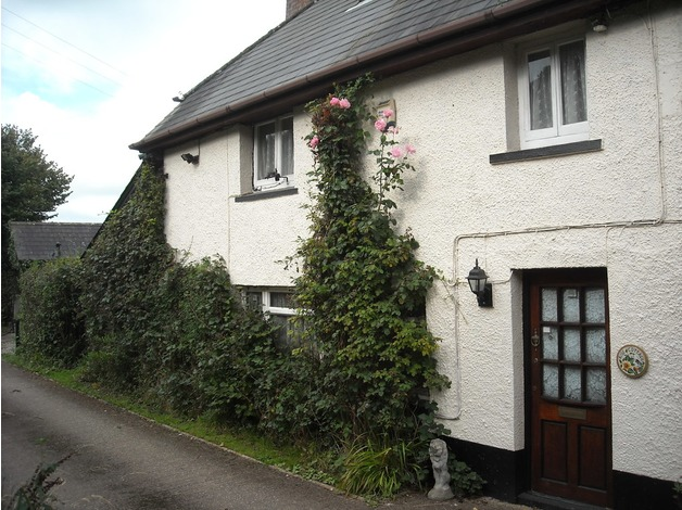 Pretty semi-detached Devon cottage for sale RARE OPPORTUNITY in South Molton