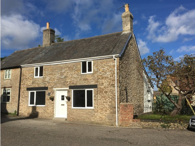 Cottage on quiet no through road - £270,000 - 3 beds, 2 baths, large garden in Templecombe