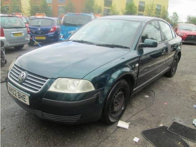 Volkswagen PASSAT, 2002 (02), Manual Petrol, 117,239 miles in Warrington