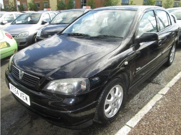 Vauxhall ASTRA, 2004 (54), Manual Petrol, 80,000 miles in Warrington