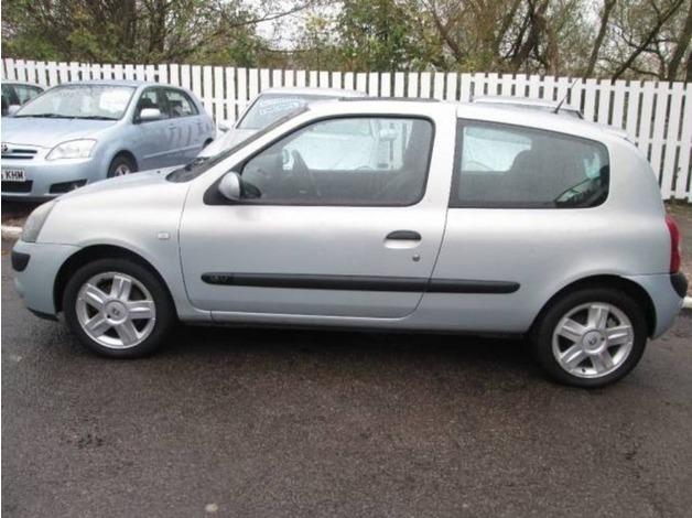 Renault CLIO, 2004 (04), Manual Petrol, 71,377 miles in Warrington