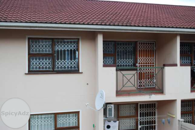 2 Bedroom Flat in Queensburgh for Rent R5500 in Durban