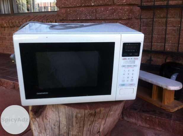 Daewoo Microwave in Kathu